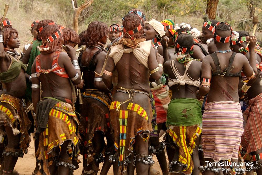 Viajes Etiopía, Valle del Omo. Bull Jumping